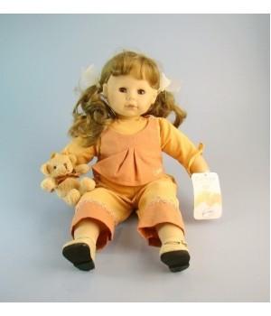 Виниловая кукла Colette