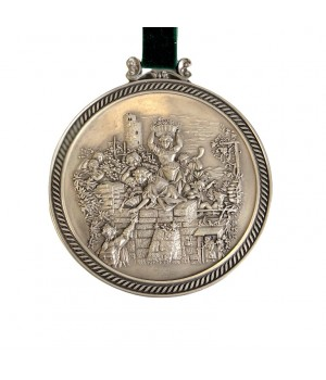Медальон, олово